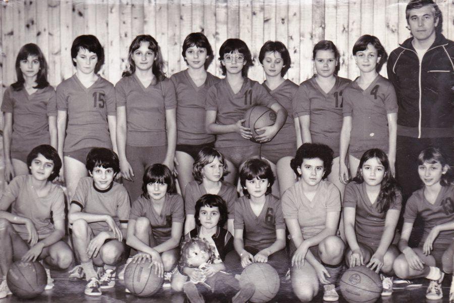 Lánycsapat Nagy Ferenc edzővel kb 1986